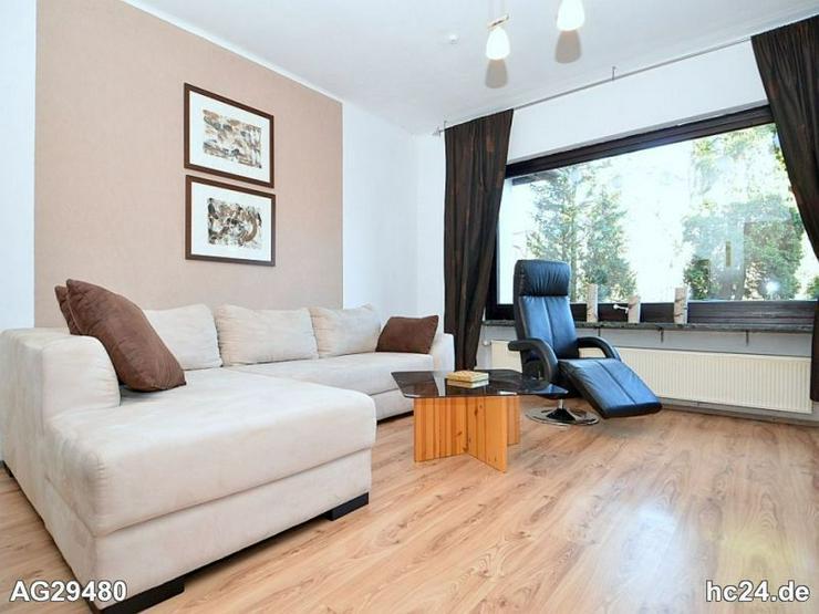 Möblierter Bungalow mit Terrasse, 2 Schlafzimmern und Stellplatz in Lauf-a.-d.-Pegnitz - Wohnen auf Zeit - Bild 1