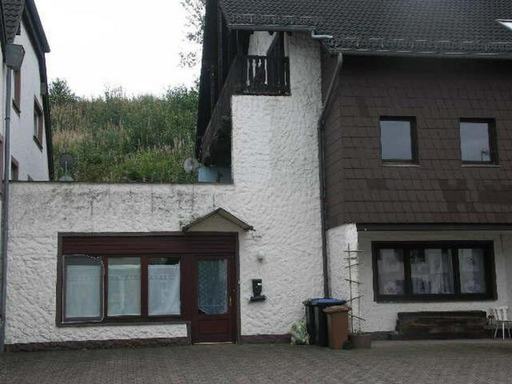 Bild 2: GEROLSTEIN LISSENDORF Kapitalanlage 3 Mietwohnungn in MFH 5 Kfz Stellplätze - von Schlapp...