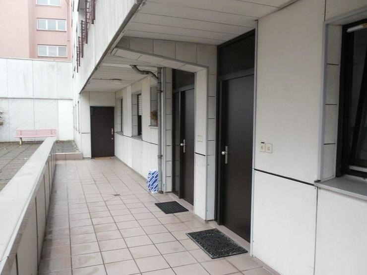 Bild 2: Oberhausen Stadtmitte -1 Zimmer Singlewohnung mit Bad - opcional Stellplatz in der Tiefgar...