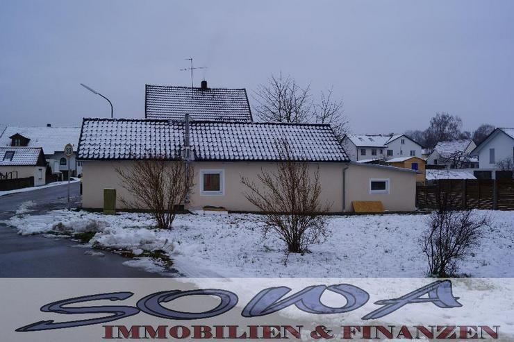 Bild 3: Bezahlbares Wohnen! Komplett saniertes kleines Einfamilienhaus in schöner Randlage. Brunn...