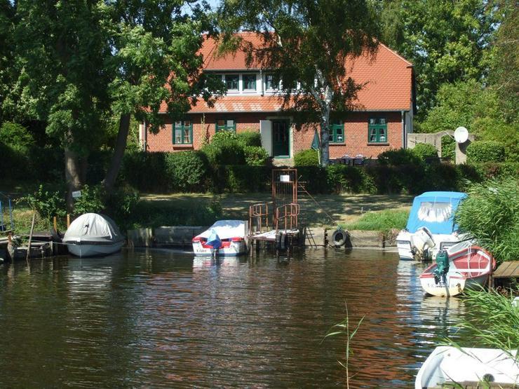 Ferienhaus direkt am Wasser, ruhig gelegen !!