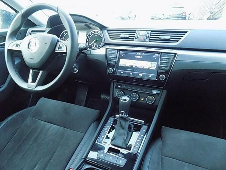 Bild 6: SKODA Superb Combi 2,0 TDI Style DSG Panorama AHK