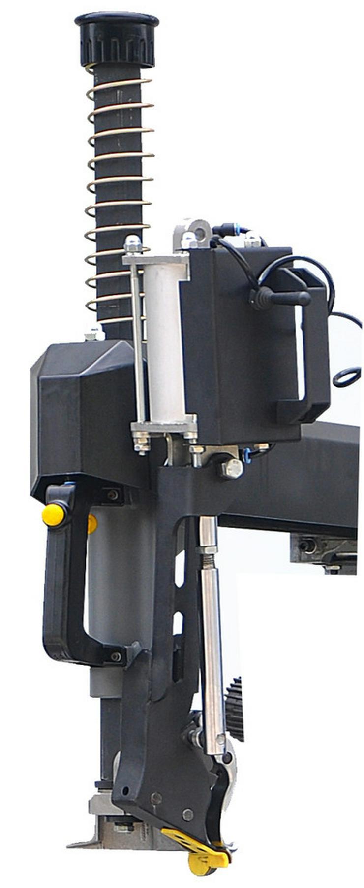 Bild 2: Alwo Montiermaschine T624RS bis 24 Zoll