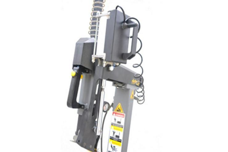 Bild 3: Alwo Montiermaschine T624RS bis 24 Zoll