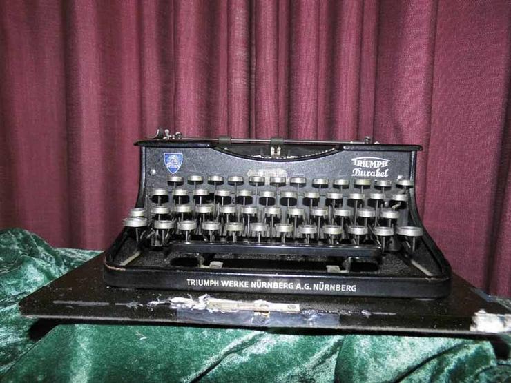 Bild 2: Antike Schreibmaschine Triumph / Typwriter Dur