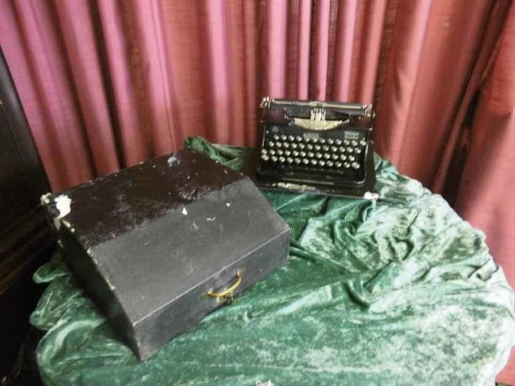 Bild 6: Antike Schreibmaschine Triumph / Typwriter Dur