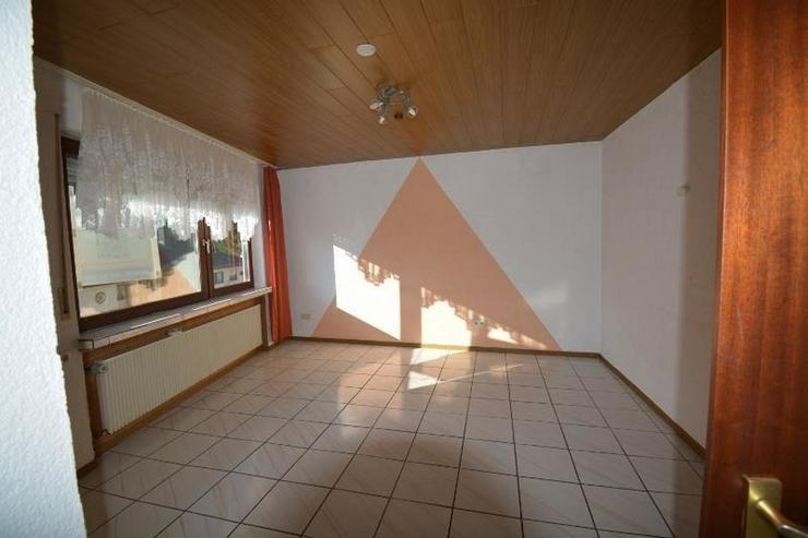 Bild 4: Zwei Häuser ? ein Preis! Auf 177 qm mit 2 Terrassen, 2 Garagen und kleinem Garten.