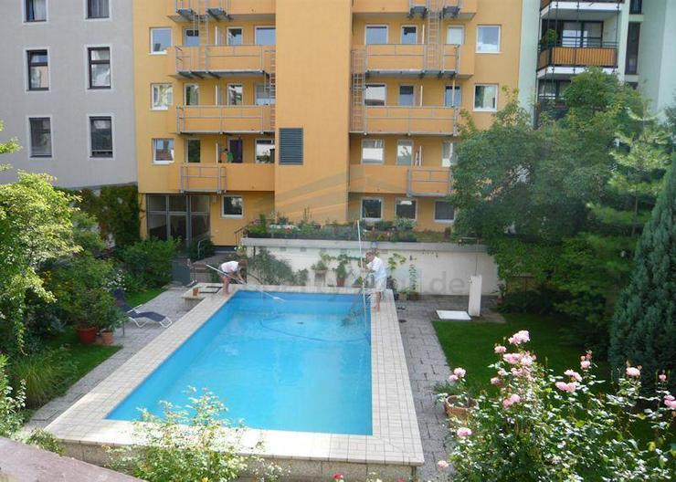 Sehr ruhiges 1 Zimmer Apartment mit Schwimmbad im Innenhof, München-Haidhausen - Wohnen auf Zeit - Bild 1