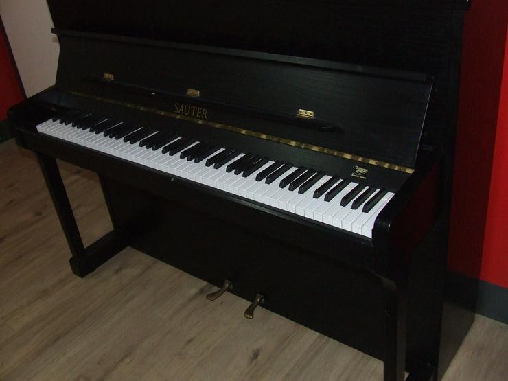 Sauter Klavier Carus 112, Esche schwarz sat. - Klaviere & Pianos - Bild 1
