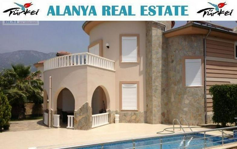 REDUZIERT ! VILLA HELLE mit privatem Pool und wunderschöner Aussicht auf das Mittelmeer - Haus kaufen - Bild 1