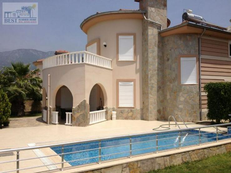 Bild 2: REDUZIERT ! VILLA HELLE mit privatem Pool und wunderschöner Aussicht auf das Mittelmeer