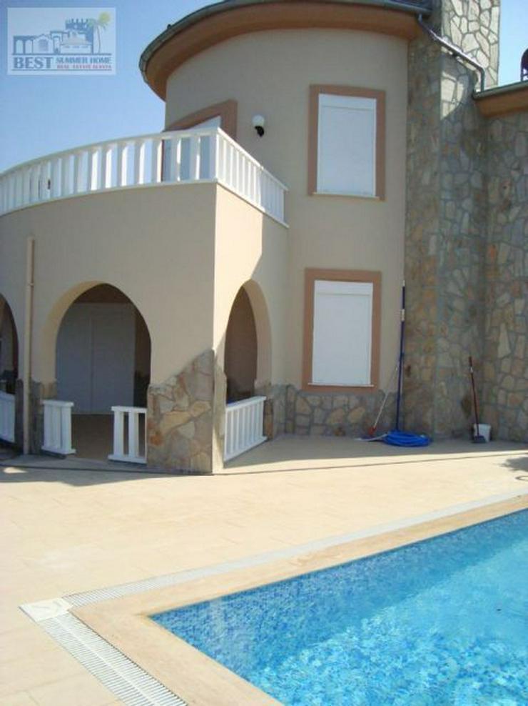 Bild 5: REDUZIERT ! VILLA HELLE mit privatem Pool und wunderschöner Aussicht auf das Mittelmeer