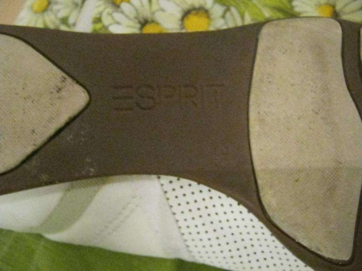 Bild 3: Turnschuhe von Esprit