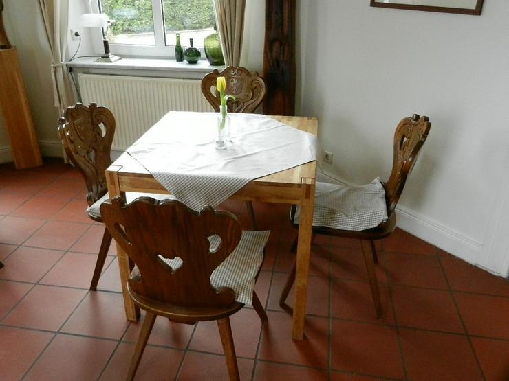 Tisch in Vollholz (natur) Farbe hellbraun - Möbel und Einrichtung - Bild 1