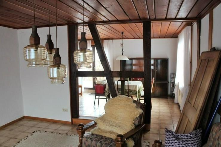 Bild 3: Solides Fachwerkhaus mit viel Nutzfläche, Garage, Wiese und Terrasse! - von Schlapp Immob...