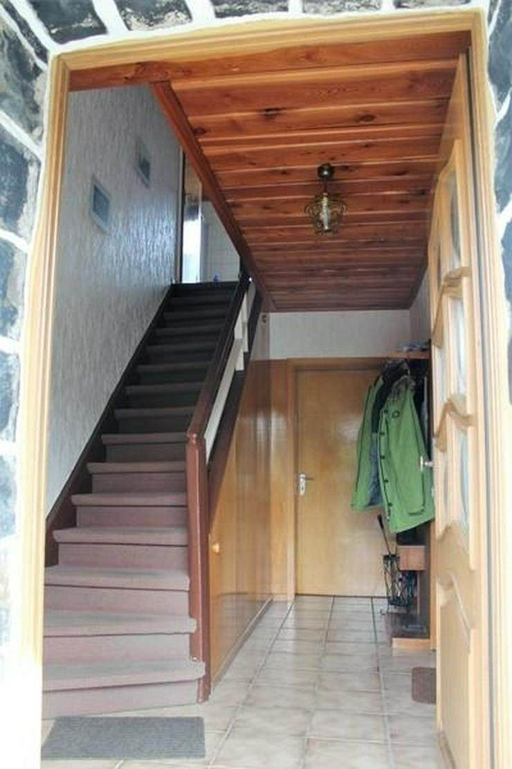 Bild 2: Solides Fachwerkhaus mit viel Nutzfläche, Garage, Wiese und Terrasse! - von Schlapp Immob...