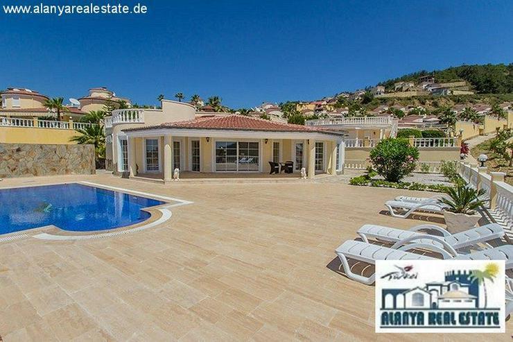 Geräumige Luxus Bungalow Villa mit privat Pool und fantastischem Meerblick - Auslandsimmobilien - Bild 1