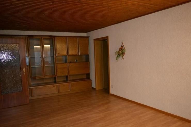 Bild 6: gepflegtes Einfamilienhaus - ca.105 qm - mit Garage, Nebengebäude und Ausbaureserven in L...