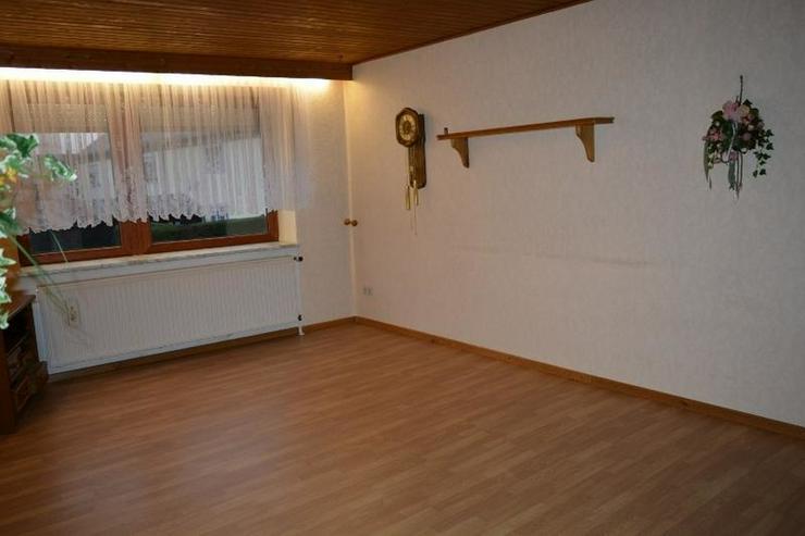 Bild 5: gepflegtes Einfamilienhaus - ca.105 qm - mit Garage, Nebengebäude und Ausbaureserven in L...