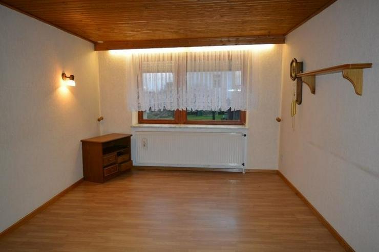 Bild 4: gepflegtes Einfamilienhaus - ca.105 qm - mit Garage, Nebengebäude und Ausbaureserven in L...