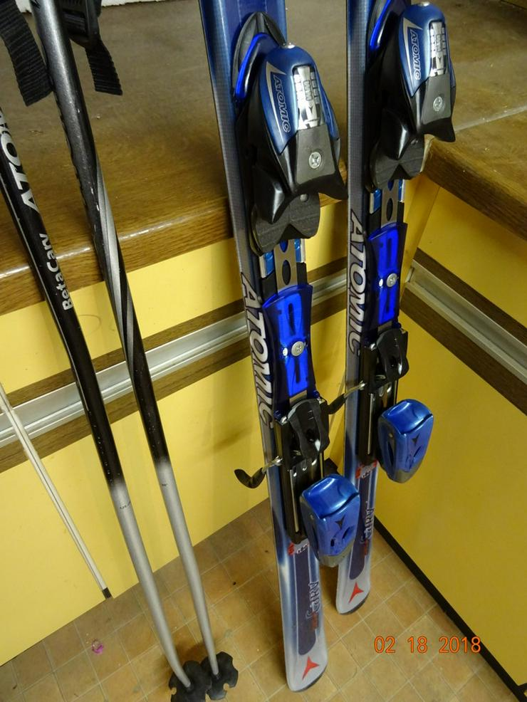 Bild 5: komplette Skiausrüstung