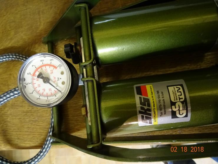 Bild 4: Doppelzylinder-Fußtrettpumpe