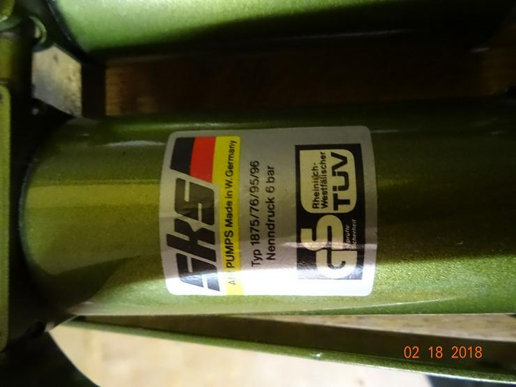 Bild 2: Doppelzylinder-Fußtrettpumpe