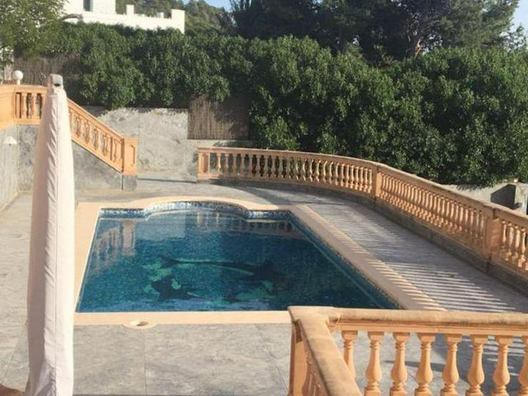Bild 2: KAUF: Hochwertige Villa in Camp de Mar