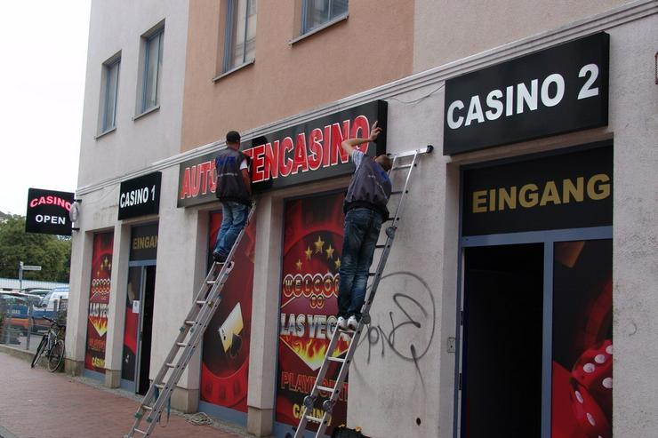 Bild 2: Außenwerbung Werbeanlage Leuchtreklame Berlin