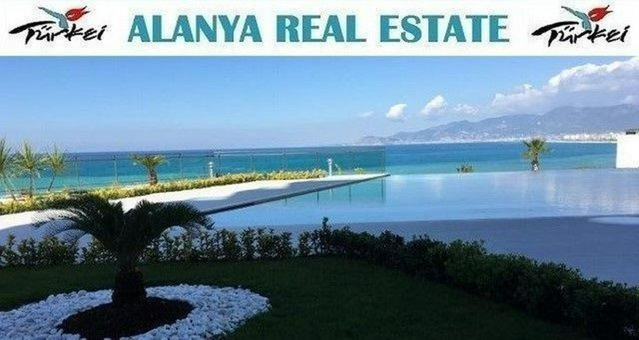 Luxusresidence in direkter Strandnähe mit fantastischem Meerblick