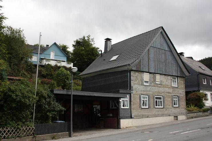 Schönes Einfamilienhaus in der Nähe von Winterberg - Haus kaufen - Bild 1