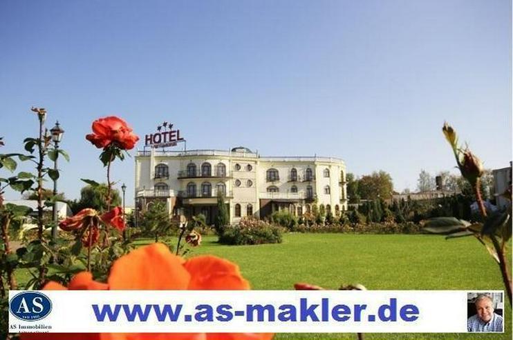Polen, 10,200 qm Grundstück mit Top 3 Sterne Hotel zu verkaufen! - Auslandsimmobilien - Bild 1