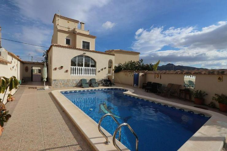 Freistehende Villa - Haus kaufen - Bild 1