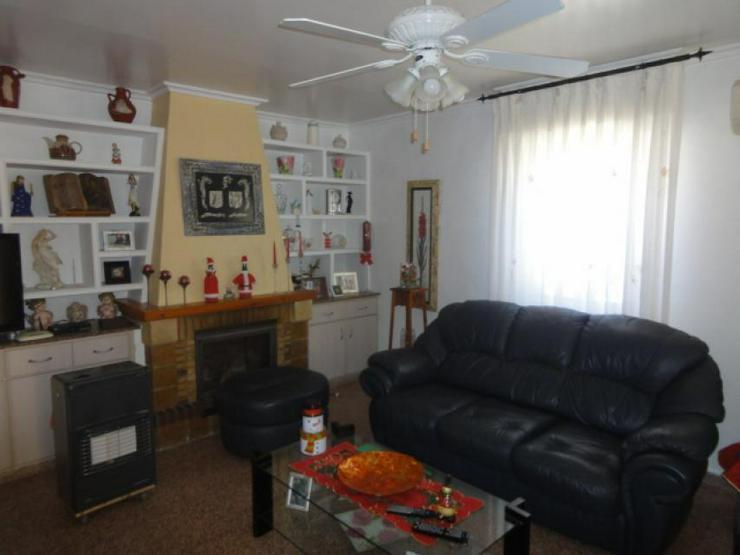 Bild 5: Landhaus mit Gästeunterkunft