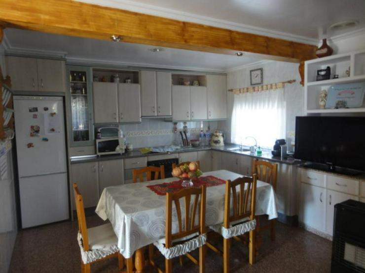 Bild 6: Landhaus mit Gästeunterkunft