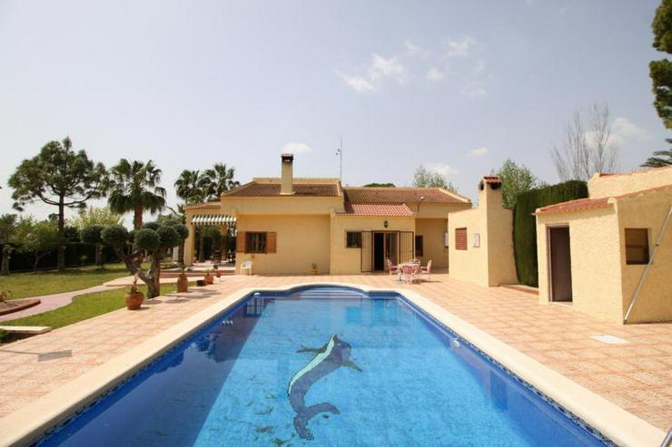 Luxus Villa mit Resort-Annehmlichkeiten - Bild 1
