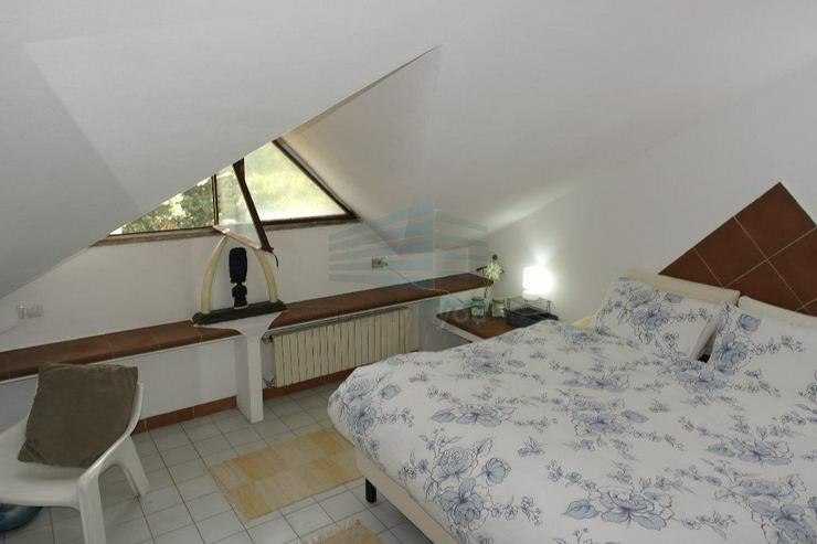 Bild 2: Lichtdurchflutete 3-Zi. Maisonette Wohnung mit zwei Balkonen und zwei Bädern sowie Garage