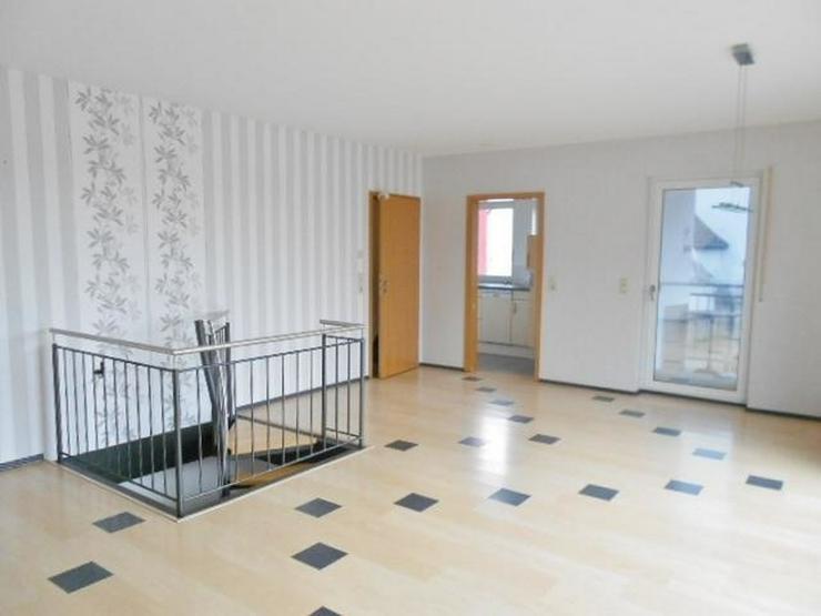 Bild 6: Traumhafte 5-Zimmer Maisonettewohnung mit FB-Heizung, Balkon, EBK und Stellplatz könnte s...