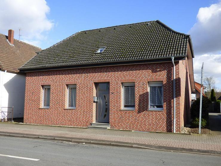Bild 2: Saniertes, großes Zweifamilienhaus mit ca. 45 m² Büro!