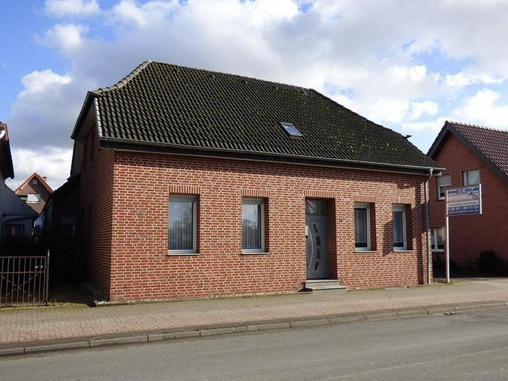Bild 4: Saniertes, großes Zweifamilienhaus mit ca. 45 m² Büro!