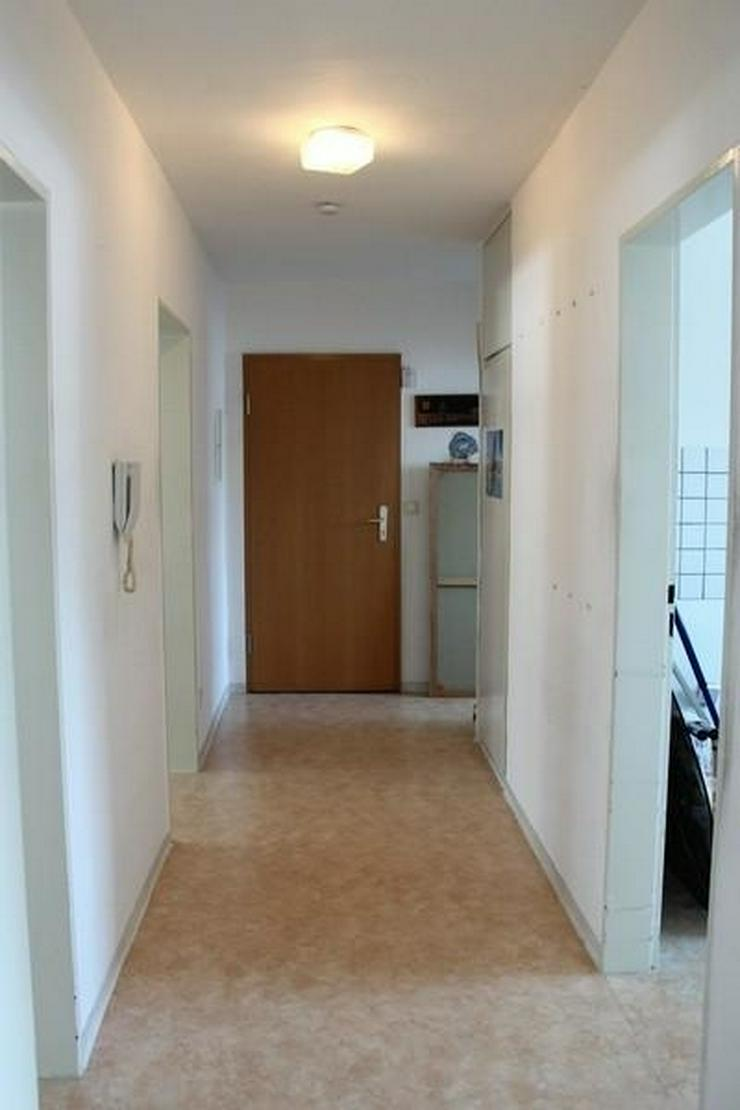 Bild 3: Kastellaun: 3 Zi. Wohnung mit Garage, Balkon, Keller und Gartenbenutzung - von Schlapp Imm...