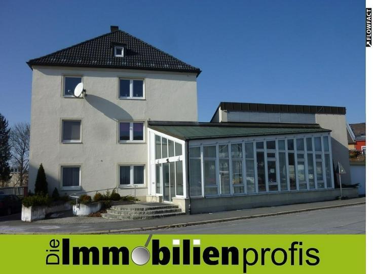 Vielseitig nutzbar - Große Laden-, Büro- oder Praxisräume mit Nebenfläche in Rehau