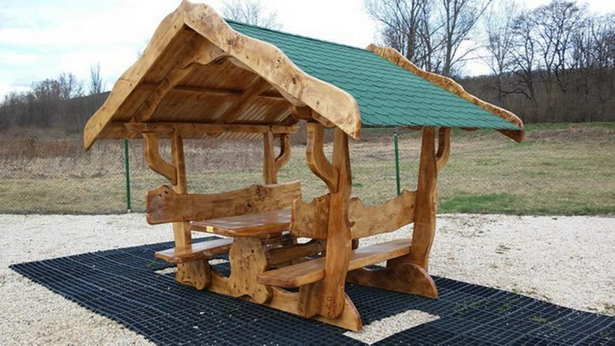 Bild 2: Rustikale Tische, Stühle, Bänke aus Massivholz