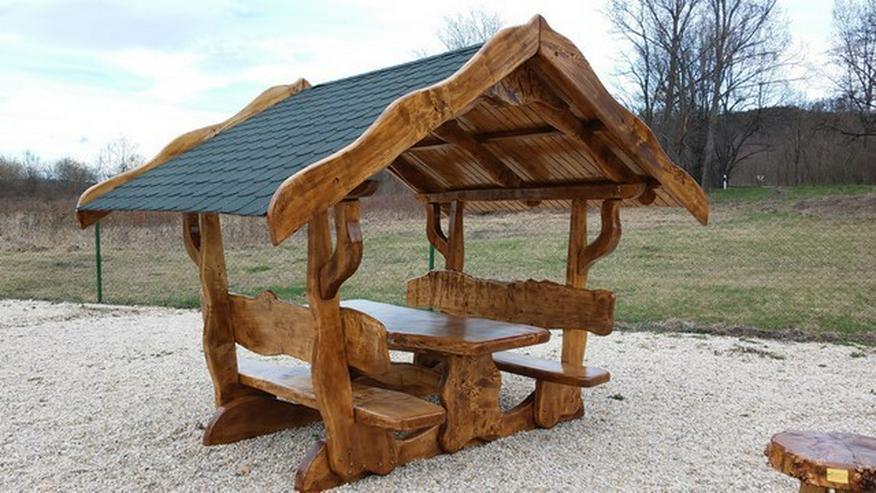 Bild 3: Rustikale Tische, Stühle, Bänke aus Massivholz