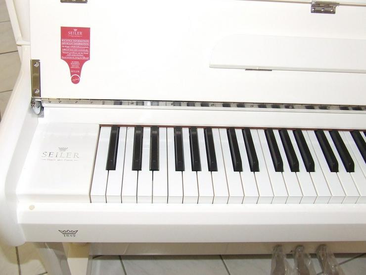Bild 3: Johannes Seiler Klavier 122 T weiß poliert
