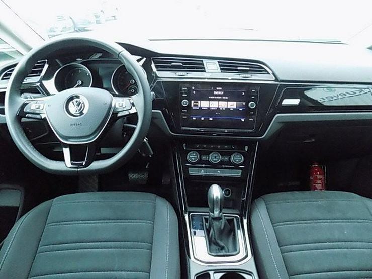 Bild 6: VW Touran 2,0 TDI Highline DSG LED ACC 7-Sitze