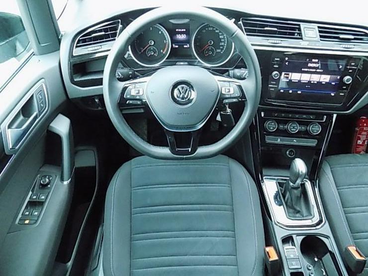 Bild 5: VW Touran 2,0 TDI Highline DSG LED ACC 7-Sitze