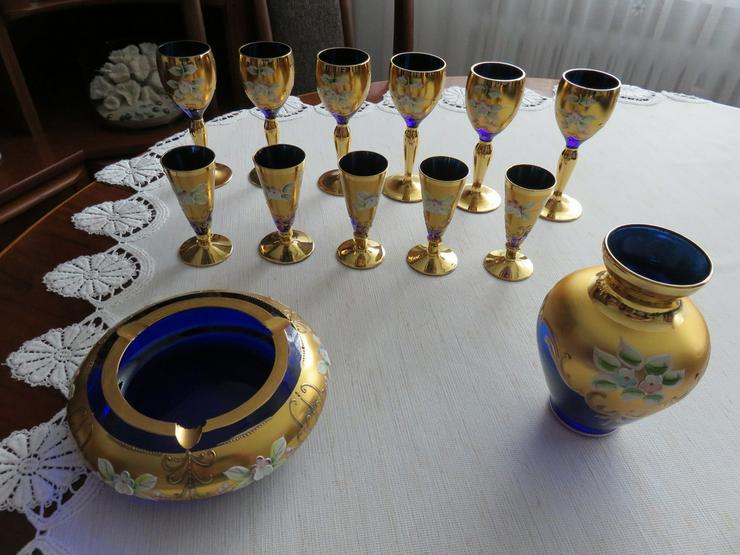13 T. Böhmisches glas blau mit Blumen vergoldet