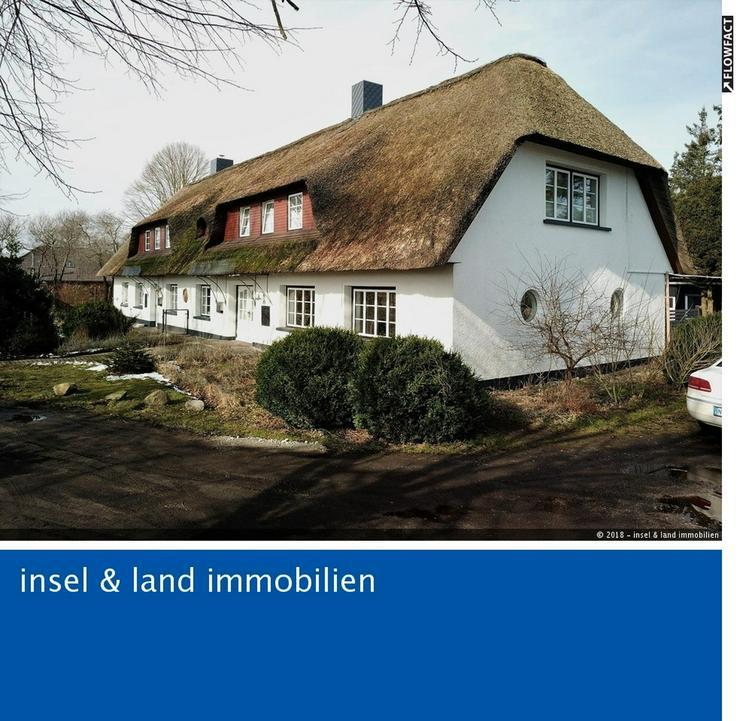 Saniertes Reetdachanwesen mit insgesamt 4 Wohnungen - Haus kaufen - Bild 1