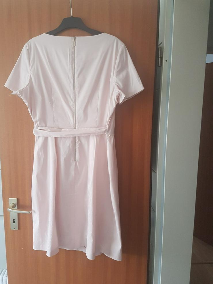 Bild 2: Sommerkleid von Esprit